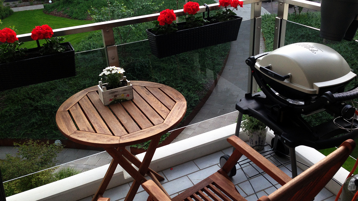 grillen auf dem balkon chefgrill. Black Bedroom Furniture Sets. Home Design Ideas