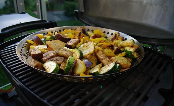 Flammkuchen Weber Holzkohlegrill : Schweinebraten weber grill rezepte chefkoch