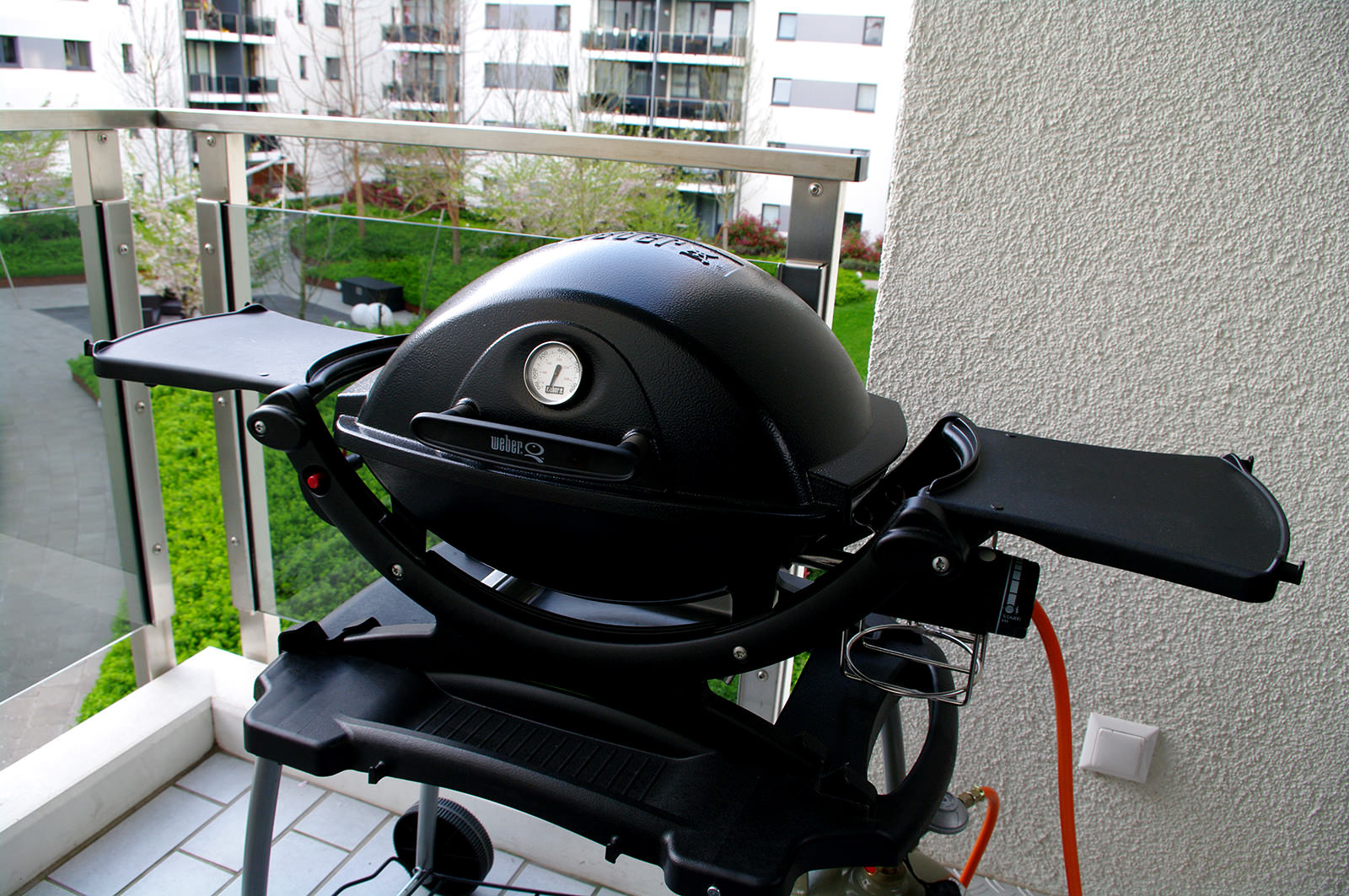 Weber q100 pas cher for Barbecue weber gaz q120